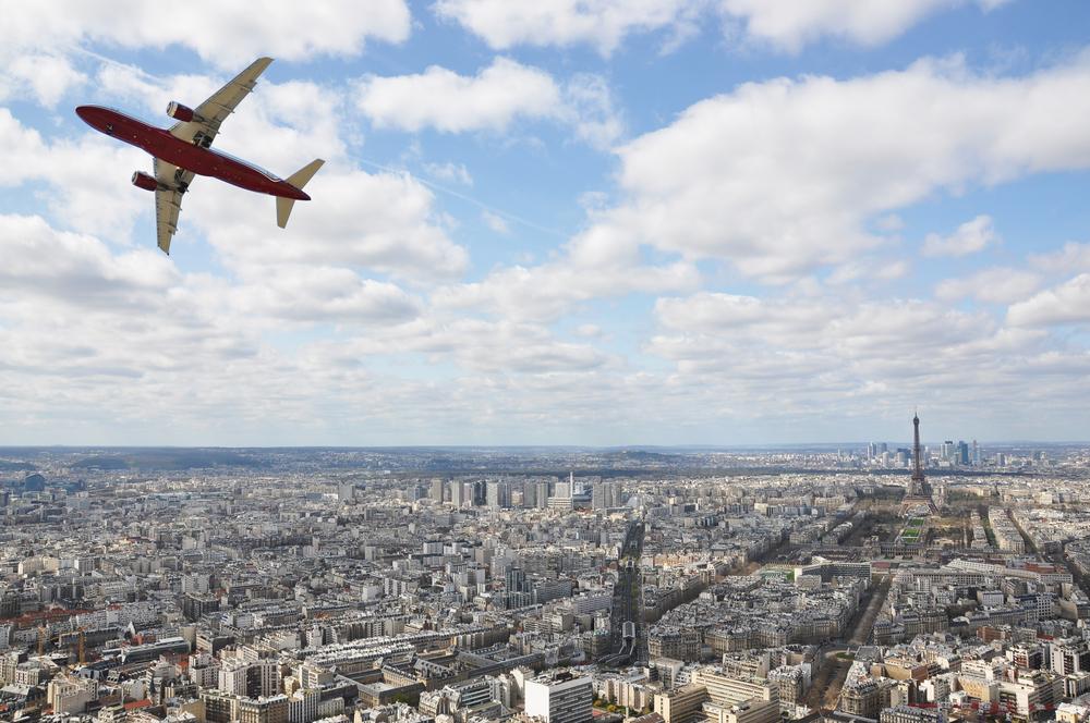 Avion-decollage-Paris