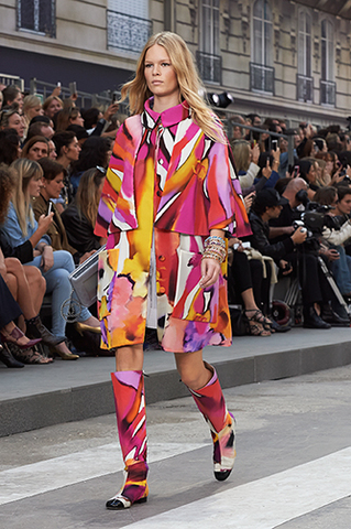 chanel-spring-summer-2015-ready-to-wear-looks-05